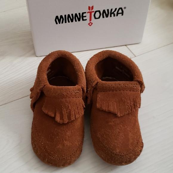 Minnetonka Shoes | Riley Bootie Size 4